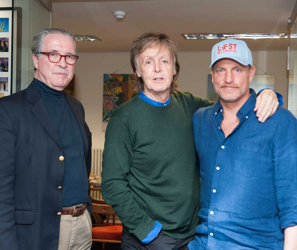 READ: &#39;What an experience.&#39; Paul #McCartney &amp; Woody #Harrelson visit students yesterday.  http:// bit.ly/2woodymac  &nbsp;    #masterclass<br>http://pic.twitter.com/2dYLb1VY2G