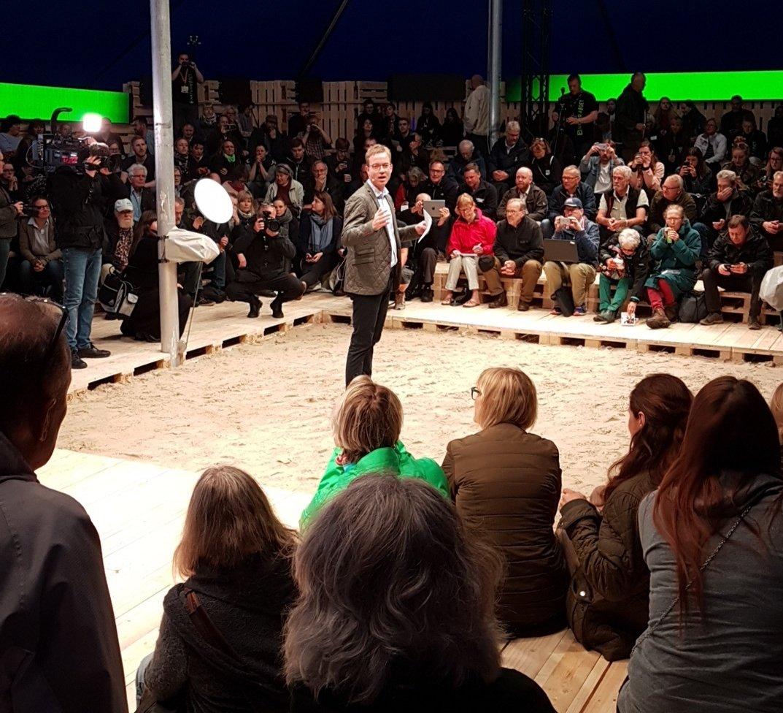 Godmorgen #naturmødet dag 2 starter med tale fra mfmin Lunde Larsen  I #naturensfonde telt er temaer børn og #dknatur forvaltning  #dkpol https://t.co/og54Ymjmzo