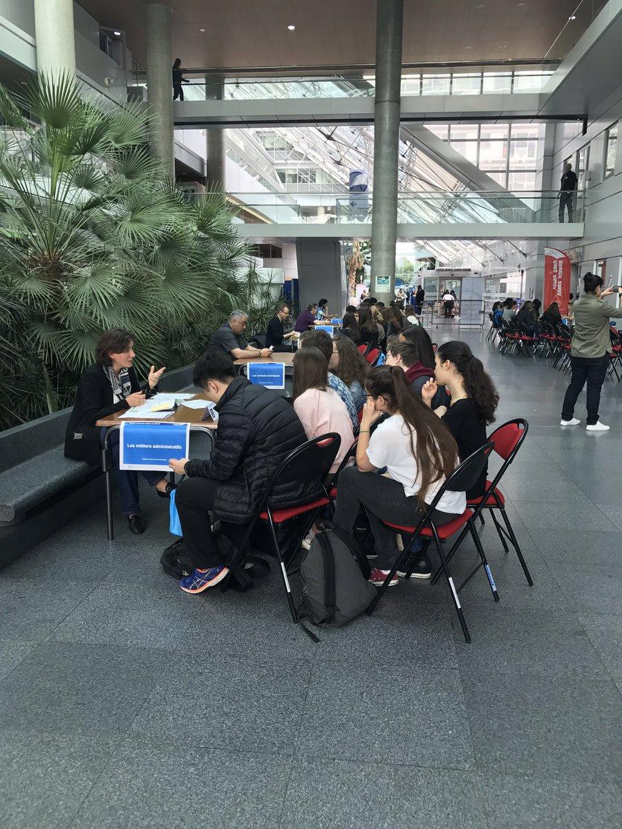 Les élèves de 3ieme du lycée #buffon à #hegp : pour les collégiens  les #JPOAPHP sont lancées !pic.twitter.com/WcHGDNlLGc