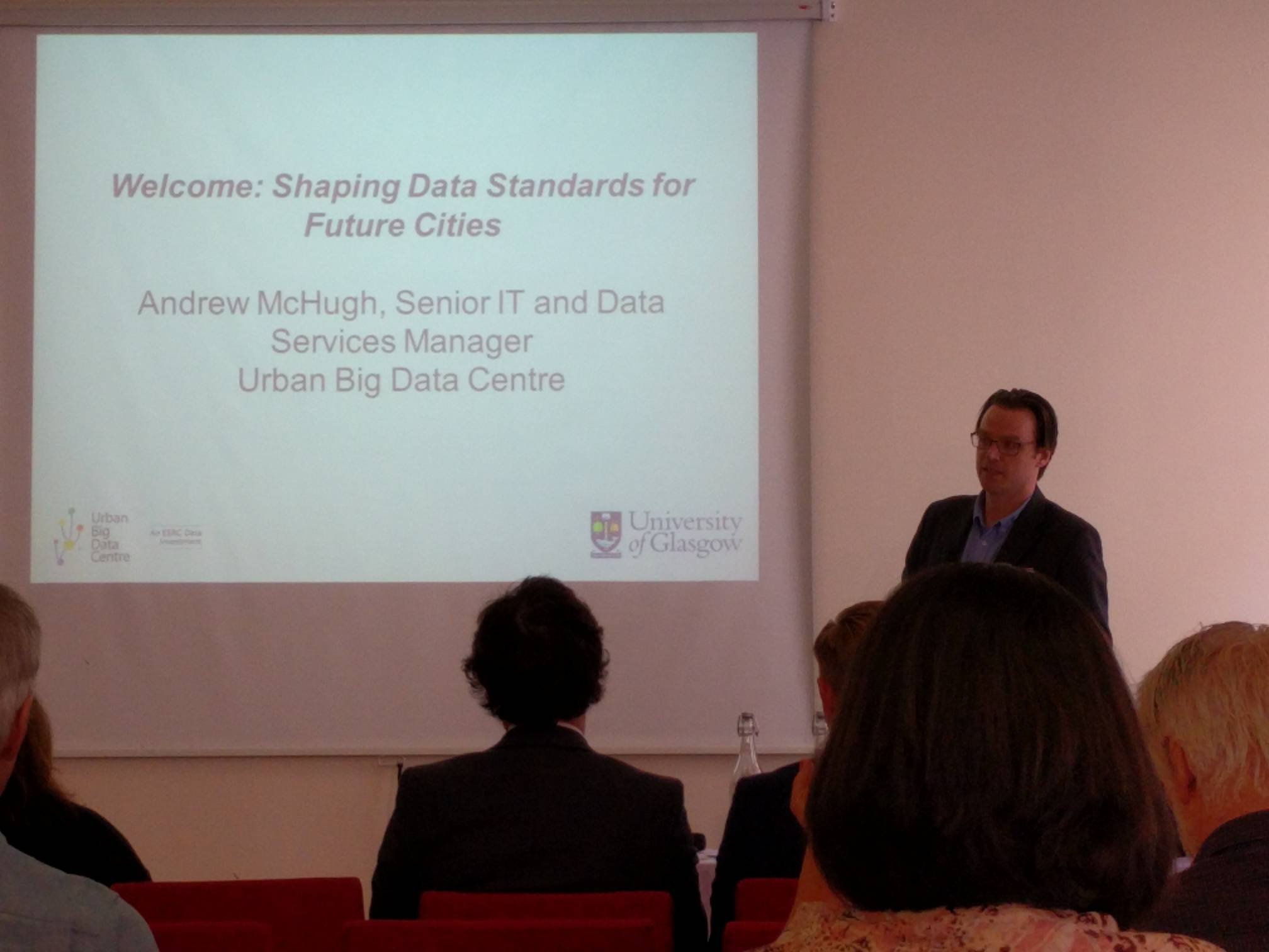 Our Andrew McHugh opens our Shaping Data Standards for Future Cities event. #DSFC17 to follow the conversations https://t.co/2glcE0ppB7