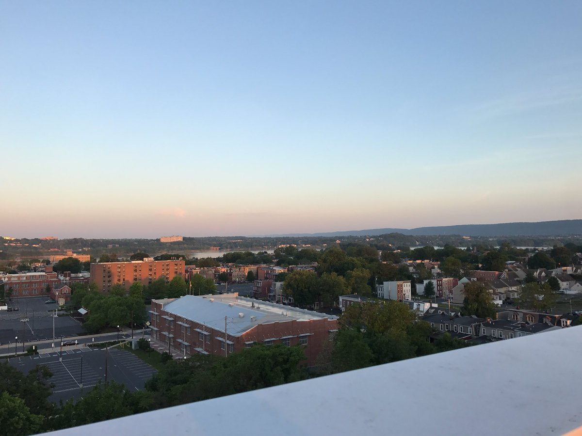 Honestly -- breathtaking beauty this morning in Harrisburg. #TownTakeover <br>http://pic.twitter.com/mTeleFCOuF