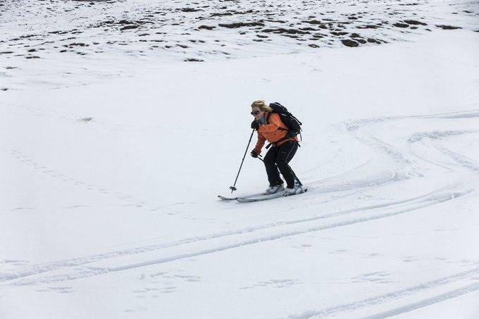 Muchos como Carmen o Manuel piensan que #ElVeranoPuedeEsperar y siguen esquiando sin parar 🙌REPORT 📷en https://t.co/oNK5aMsv3k