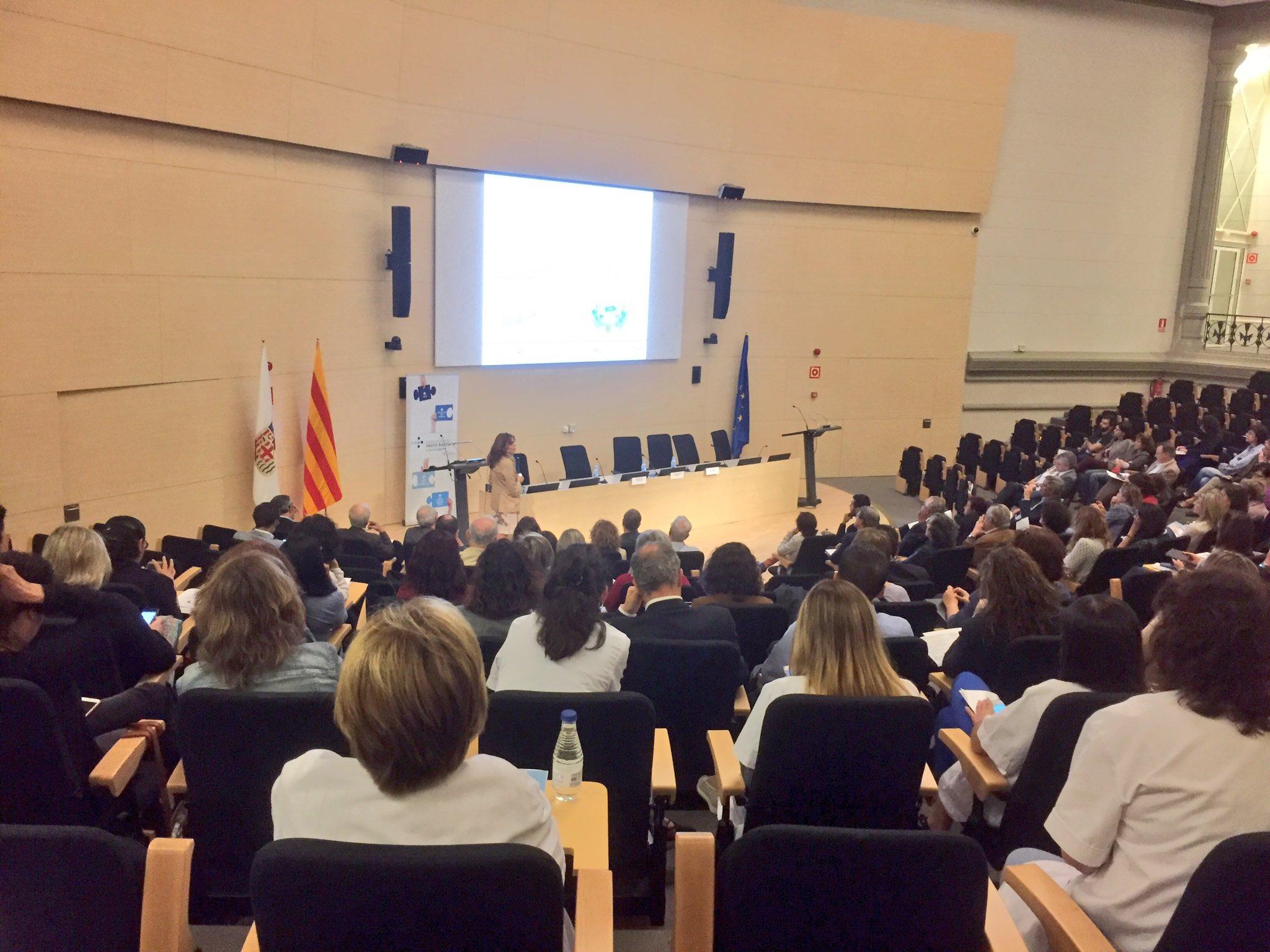 Immaculada de Molina presenta el proyecto de #decisionescompartidas en reconstrucción mamaria postmastectomía Hospital Joan XXIII https://t.co/TJgXSSL5xg