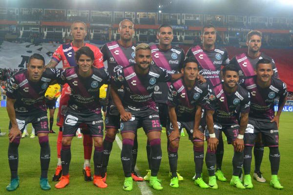 #Futbol La realidad de la venta del @ClubPueblaMX, contada por @pepehanan en @RCadenaTV https://t.co/V23QGQ0PfI https://t.co/Vc6lGOSYJW