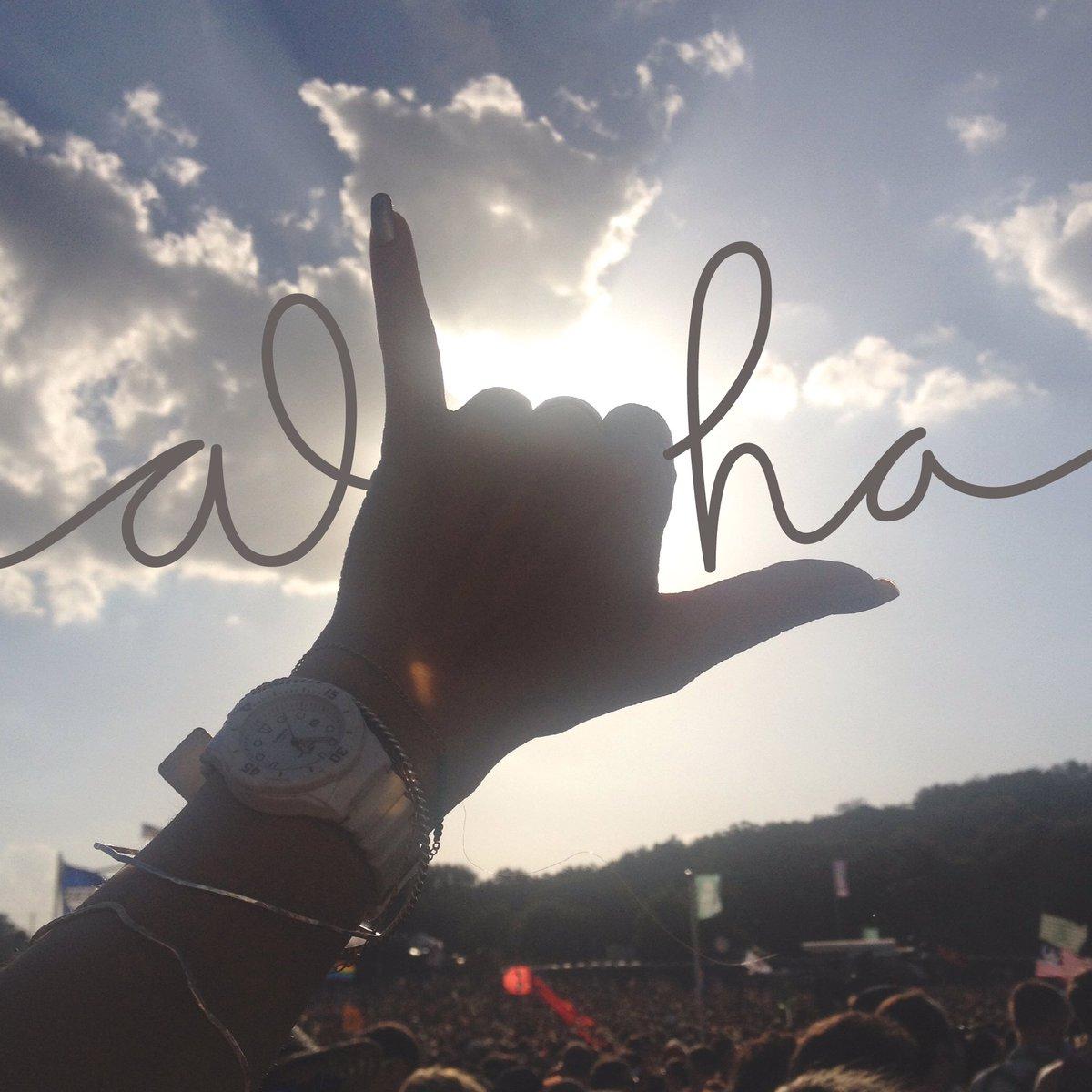 Aloha Happy Friday! #MakeAGoodMorningGREAT <br>http://pic.twitter.com/94Dl2cbEUw