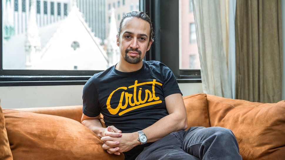 .@Lin_Manuel Miranda is the latest big name to join the cast of the new #DuckTales  http:// nerdi.st/2rzNAkq  &nbsp;  <br>http://pic.twitter.com/259upNdE9p