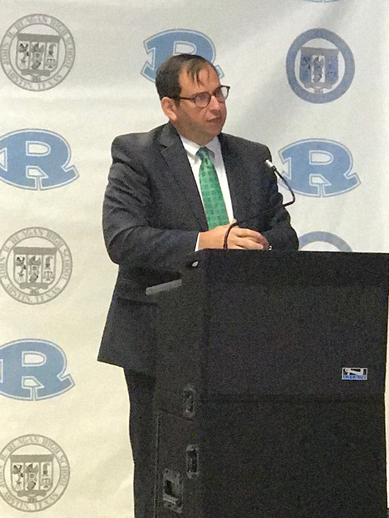 @craigsshapiro 'Dr.' Shapiro sharing the pride of this reinvention! Career Launch @ReaganECHS #aisdproud