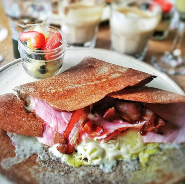 Brunch at home this weekend, and order from Spanel Crepes! #Griffintown https://t.co/vfCzFLiz3h https://t.co/azD5bvMCbg