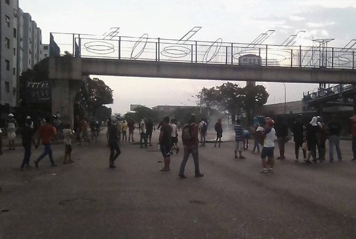 Clashes with National Guard in Barquisimeto, Lara