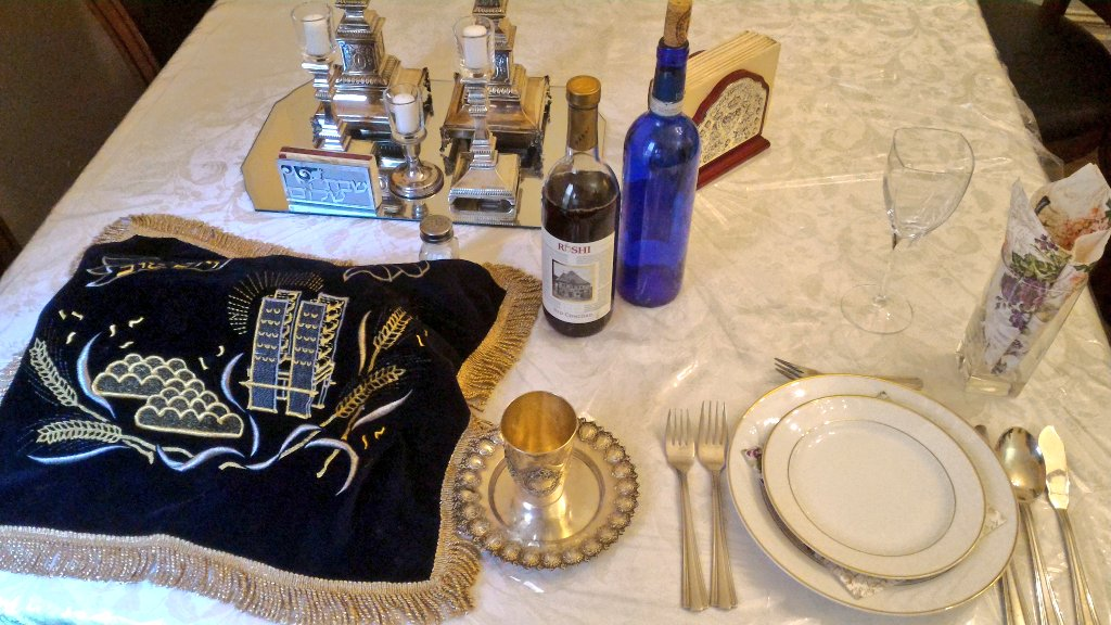 The #shabbat table is set, with wine & Challah (bread) and Shabbat Candles. https://t.co/JozBrjOn4M