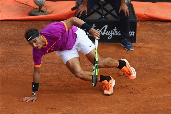 The King of Clay was stopped by his heir apparent today, as Dominic #Thiem powered into the Rome semis.  More &gt;&gt;&gt;  http:// bit.ly/ThiemFloorsNad al &nbsp; … <br>http://pic.twitter.com/6dB0PJcMdJ