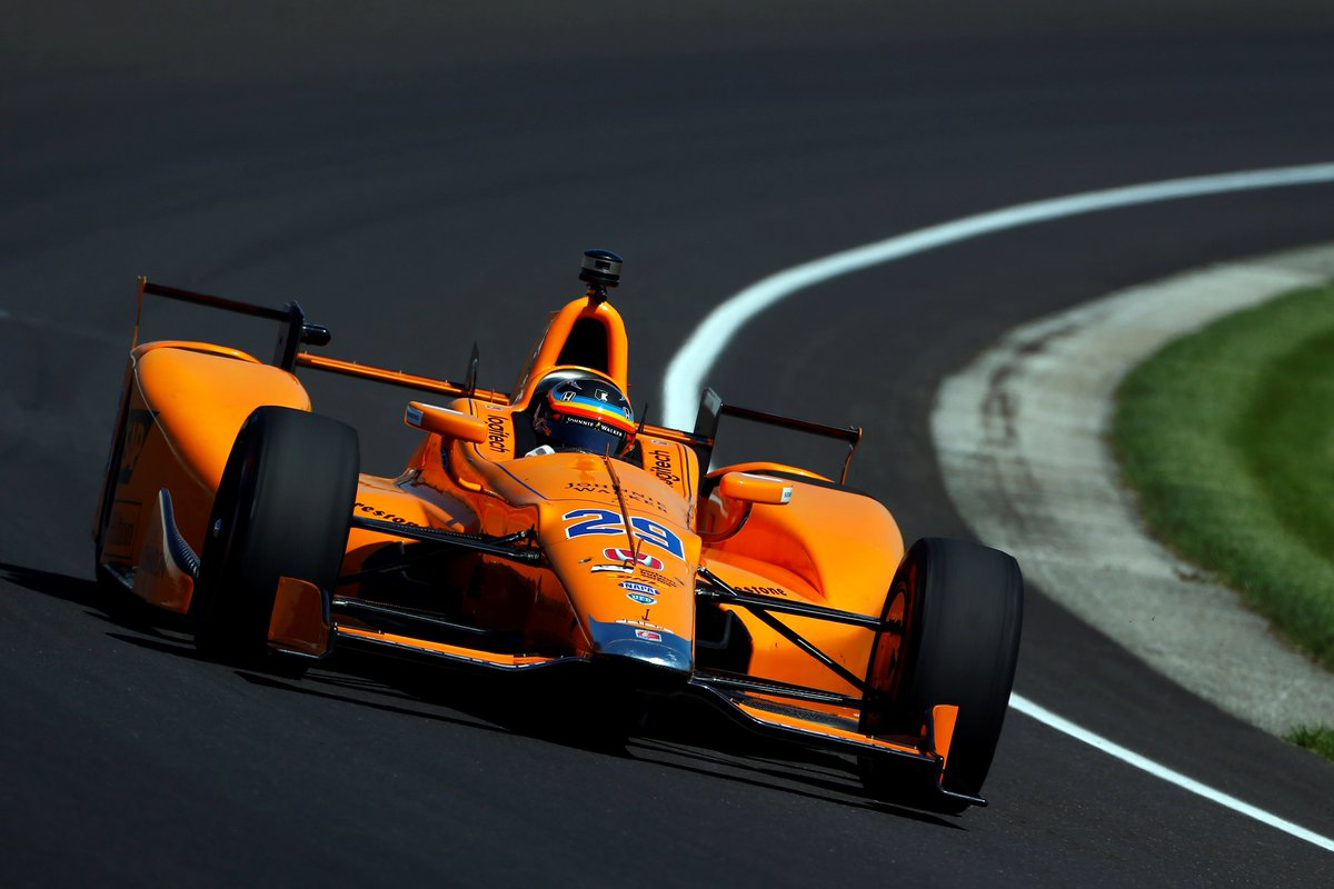 The sun may be out now but rain is forecast, so Fernando is clocking up laps. #Indy500 #FastFriday  <br>http://pic.twitter.com/6P5tJ0rZrU