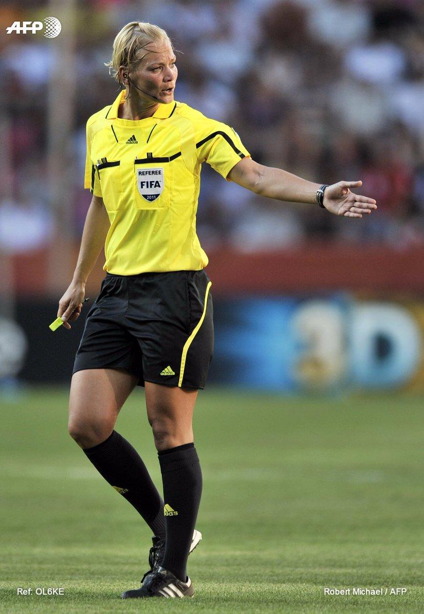 Une Allemande va devenir la 1ère femme à arbitrer un match de 1ère division d'un grand championnat européen https://t.co/ElyZQvV3JU #AFP