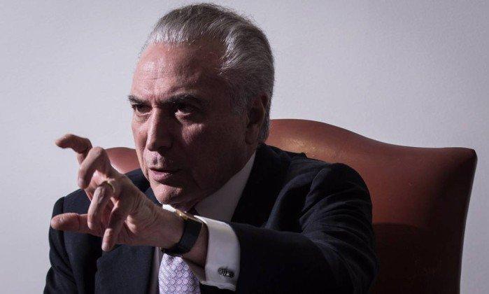Temer recebeu R$ 15 milhões para distribuir a aliados, diz diretor da JBS. https://t.co/wyvYKZ6dPE
