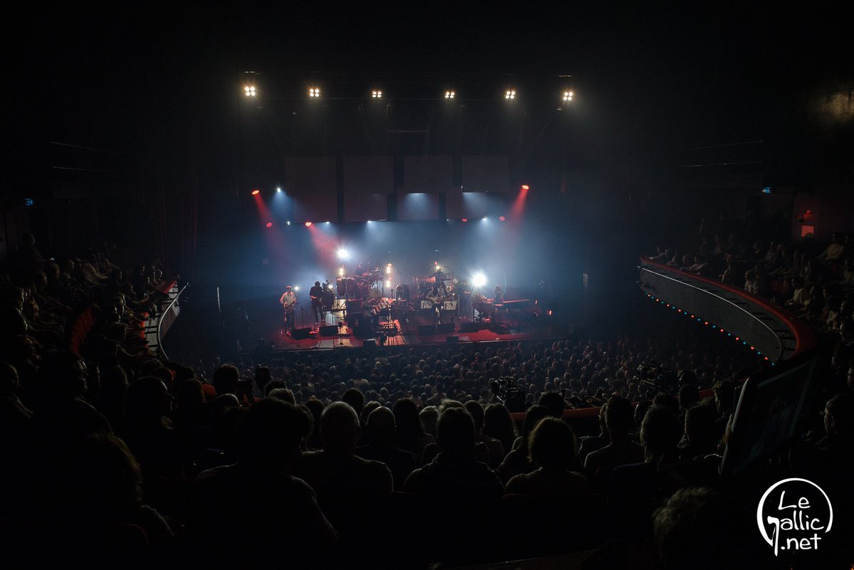 Last night at @OLYMPIAHALL in Paris with @beccastevensbsb was fun!