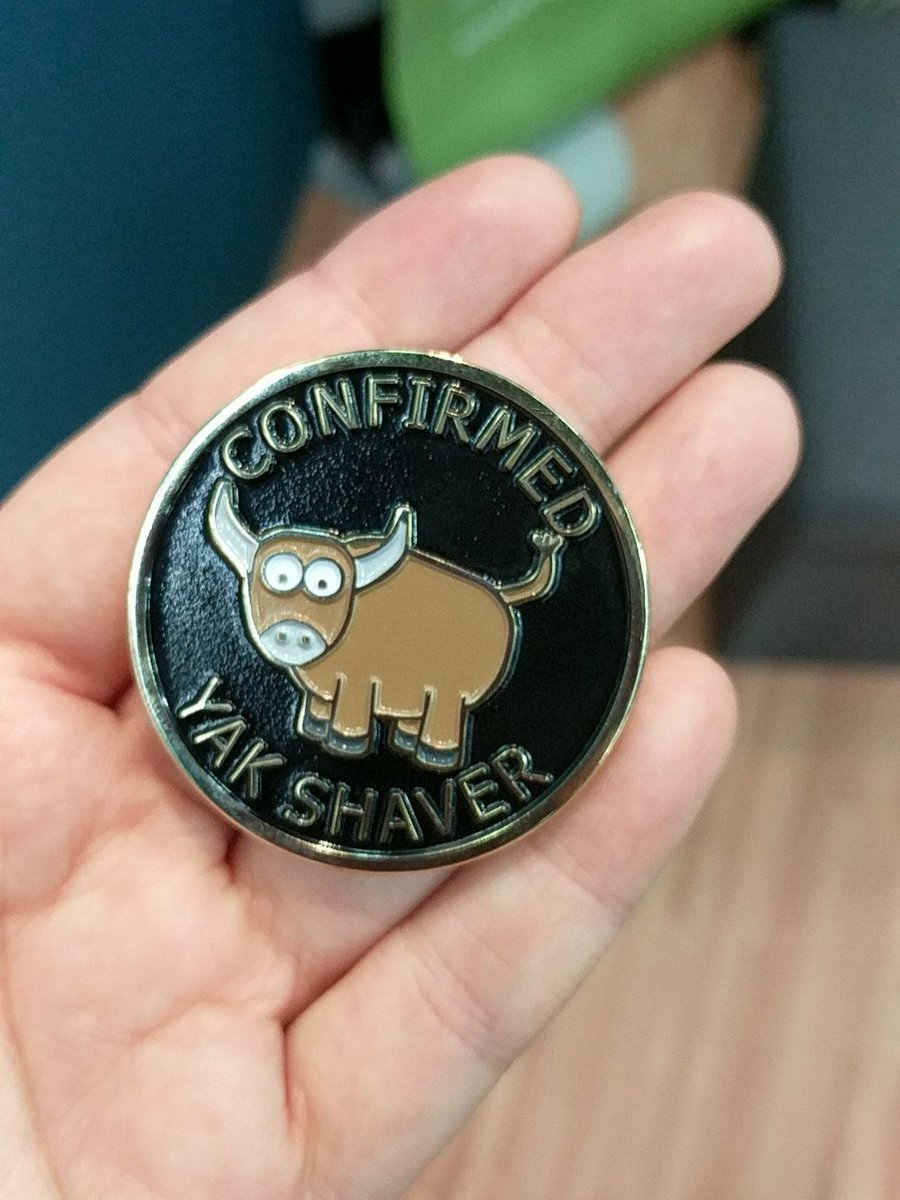 I got to meet @freakboy3742 who recognized my open source contribution to cricket with a medallion! #pycon2017 <br>http://pic.twitter.com/IvLm9fA2xe