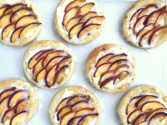 Peach Cream Cheese Tarts