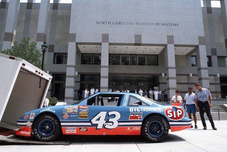 #FlashbackFriday to @NASCAR legend Richard Petty&#39;s car arriving at the (then) newly opened Museum building, ca August 25, 1993!  #NASCARDay <br>http://pic.twitter.com/onxknoEu7Y