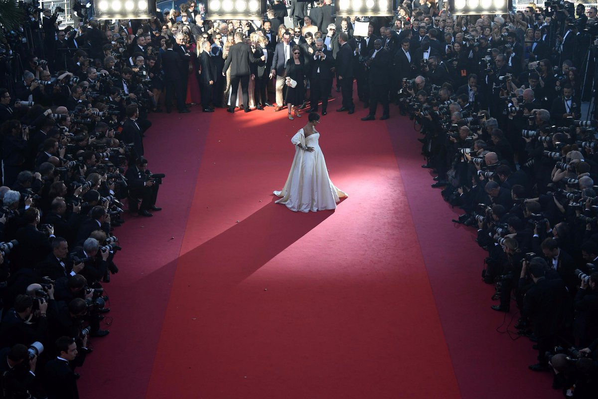 Very into the feelings of command & presence from this pic of Rihanna on the red carpet at Cannes. She has powers. https://t.co/Gysj39sJ4n