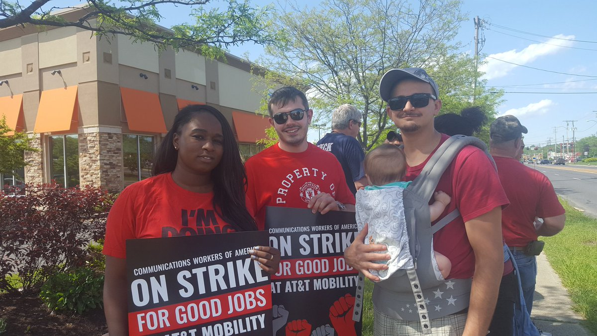 Hey @ATT we want a fair contract! @CWADi...