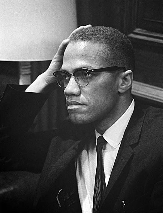 #Remembering Malcolm X on what would have been his 92nd birthday    #Malcolm X&#39;s influen  http://www. empowr.com/illimattic?p=B YZRR &nbsp; … <br>http://pic.twitter.com/7Gev0rlhX6