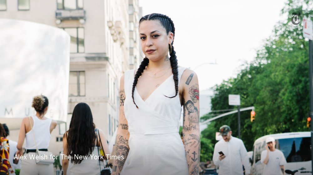 At the @Guggenheim, fans wore white in homage to @solangeknowles https://t.co/uhxSB1HwgS https://t.co/lznITuSHHp
