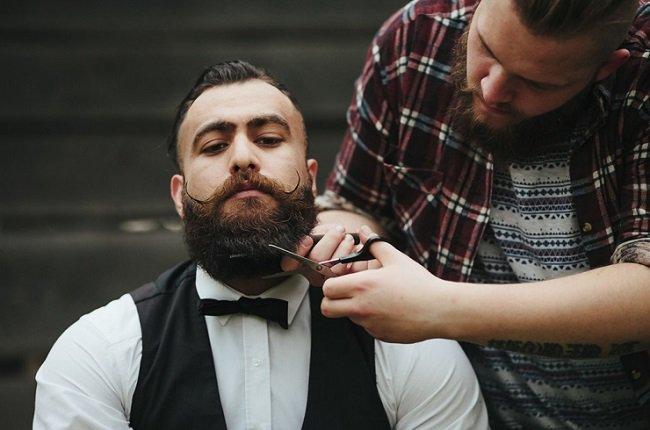 Beards and Face Shapes Explained https://t.co/4rHLltqUam #Beards https://t.co/Y1u3Fd2fPn