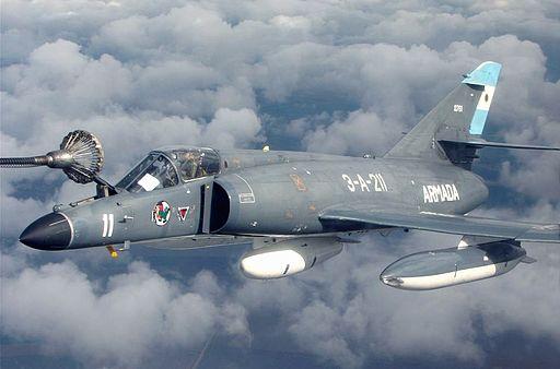 Argentina interested in buying #Dassault Super Étendards, postpones talks for MiG-29s  http:// alert5.com/2017/05/20/arg entina-interested-in-buying-super-etendards-postpones-talks-for-mig-29s/ &nbsp; … <br>http://pic.twitter.com/9q8gUbQ3Ug