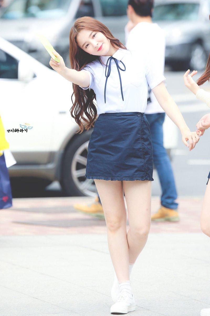 [HQ] 170513 - Music Core Mini Fanmeeting  © 20000413_com #낸시 #NANCY #MOMOLAND #모모랜드<br>http://pic.twitter.com/IYoT691iX5