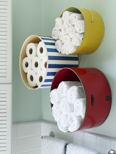 A new idea on how to store your towels and paper than make them accessible! #bathroom #towels #homesweethome #interiordesign<br>http://pic.twitter.com/wNgo40EjbM
