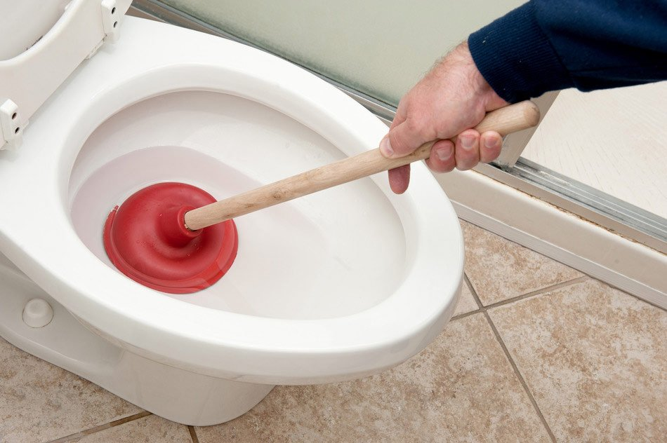 Clogged toilet? Not problem, here&#39;s how to troubleshoot  http:// ow.ly/WHkAq  &nbsp;   #Plumbing #HowTo #DIY #Toilet #Clog<br>http://pic.twitter.com/NZxMEZvzzx