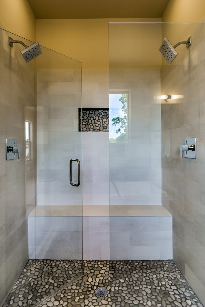 Planning to make changes to your #bathroom? Check out our favorites on pinterest:  http:// bit.ly/2noJc94  &nbsp;   #interiordesign #tbt<br>http://pic.twitter.com/woh2IdkzEA