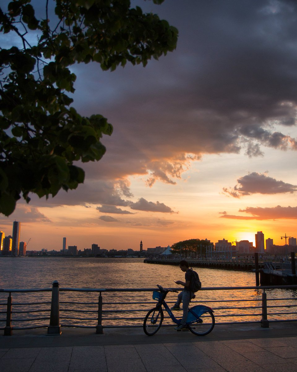 New York by maximusupinNYc #newyork #nyc<br>http://pic.twitter.com/Ybz1FsXHpI