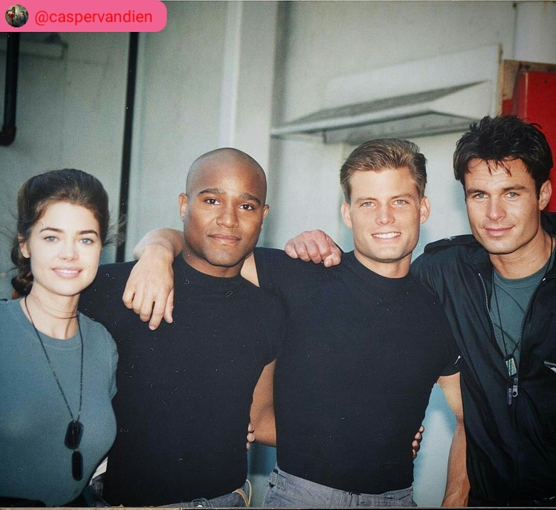 Do you want to know more? #StarshipTroopers 1997 #WelcomeToTheRoughnecks #TheWalkingDead #twd8nafox #TWDFamily @TheSethGilliam #Gabriel <br>http://pic.twitter.com/CAqIDfeTVL