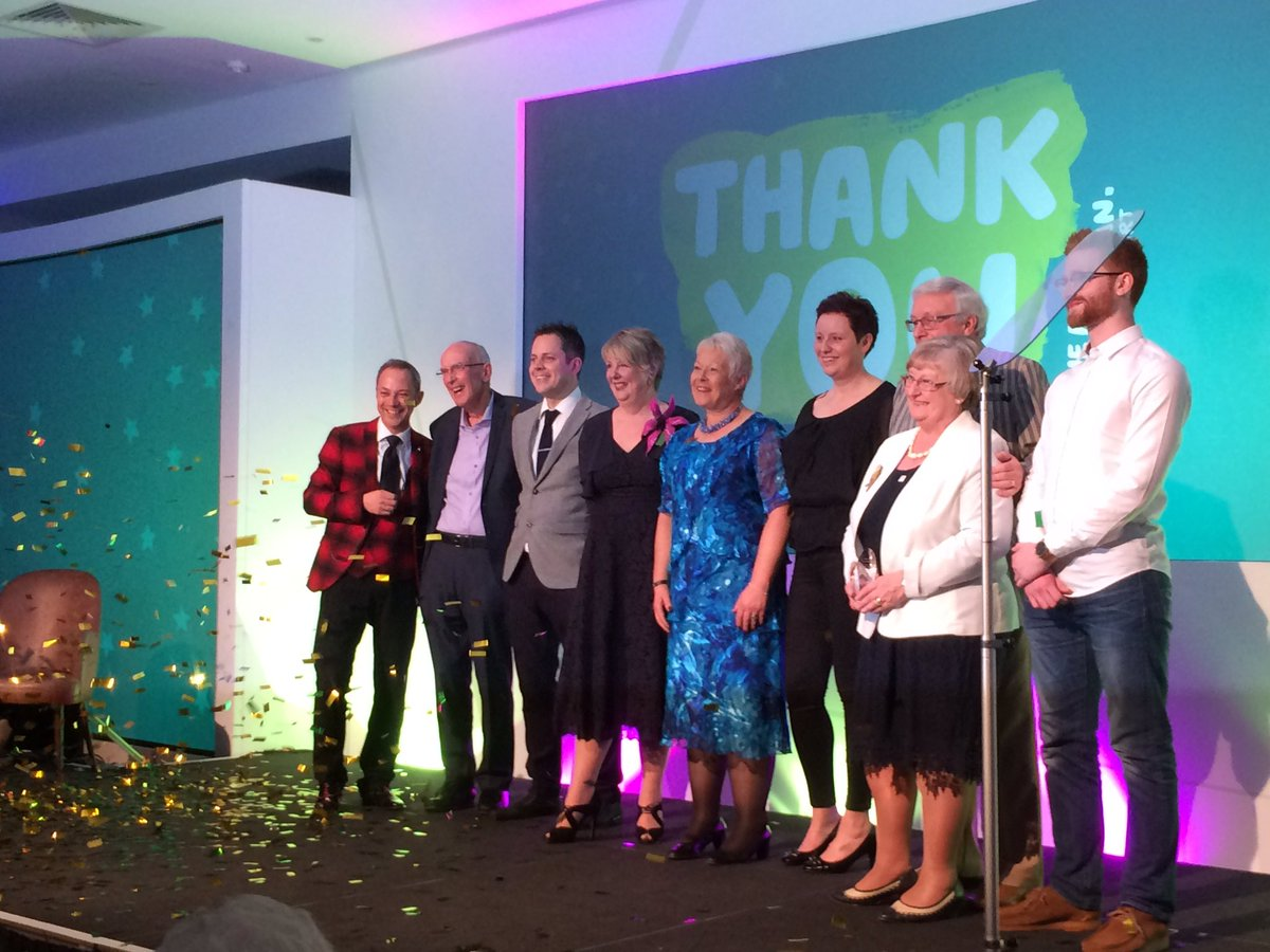 @MacmillanVol #MacVolConf wonderful eve at volunteer awards ceremony such incredible winners! <br>http://pic.twitter.com/hkEIE6933V