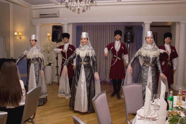 #культурамира #национальныекостюмы #национальныетанцы #осетины #ресторандомактера #старыйарбат