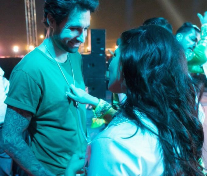 Sharing a backstage moment with @DanielWeber99!!  #Throwback #SunnyLeone https://t.co/Q36bDPHBlQ