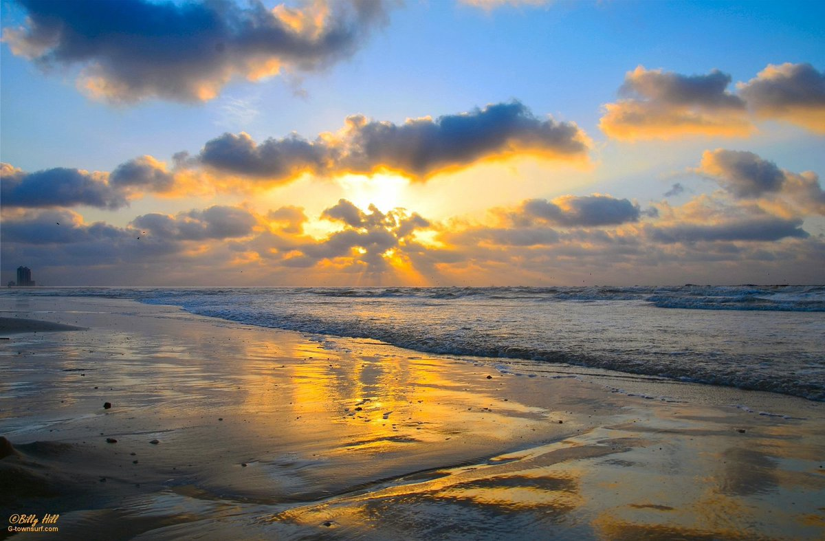 Retweet if you wish you were here! #LoveGalveston https://t.co/unxve46xcz