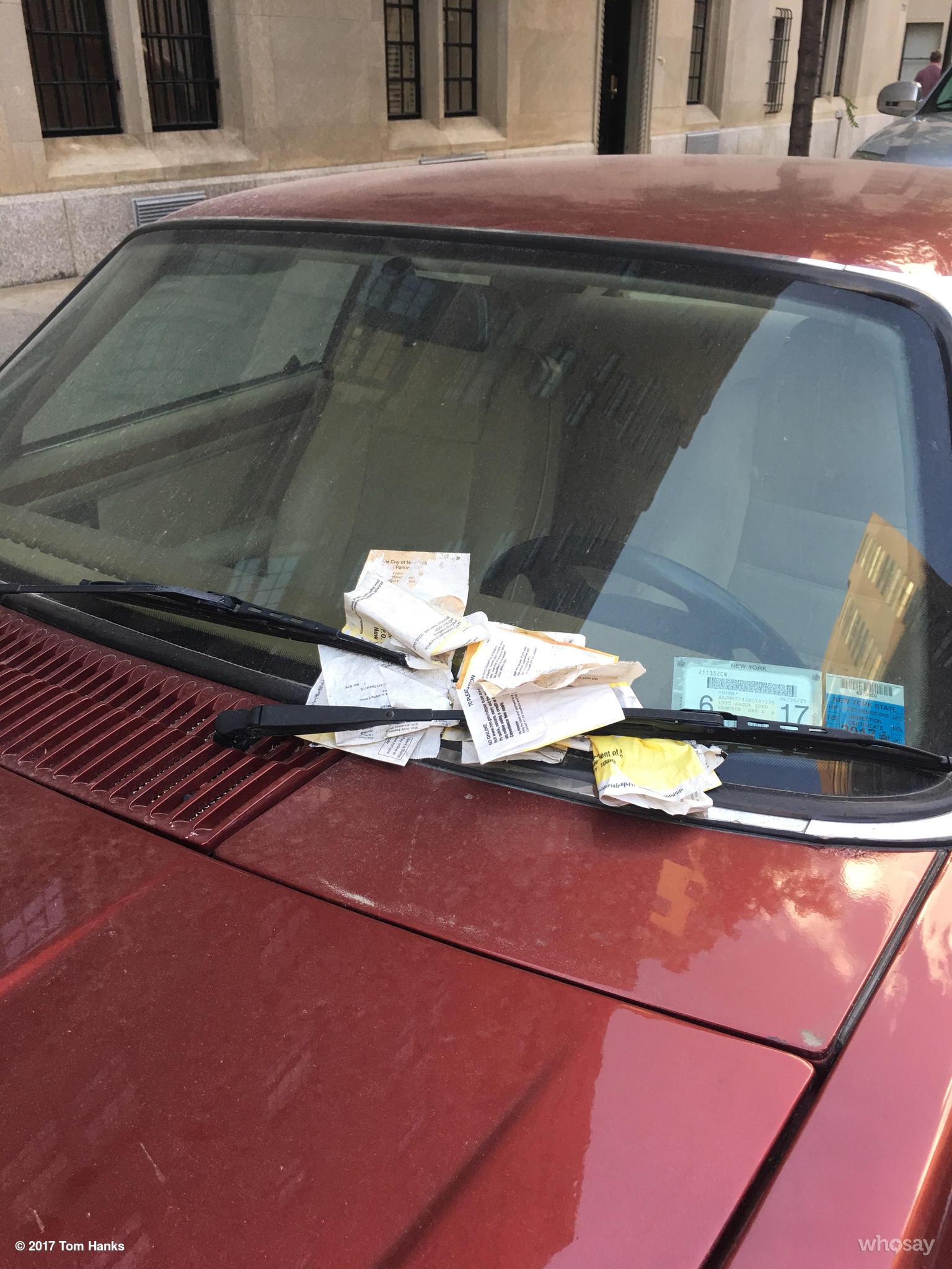 RT @tomhanks: Sir?  Move. Your. Car!  Hanx https://t.co/LJ86qW54Z4