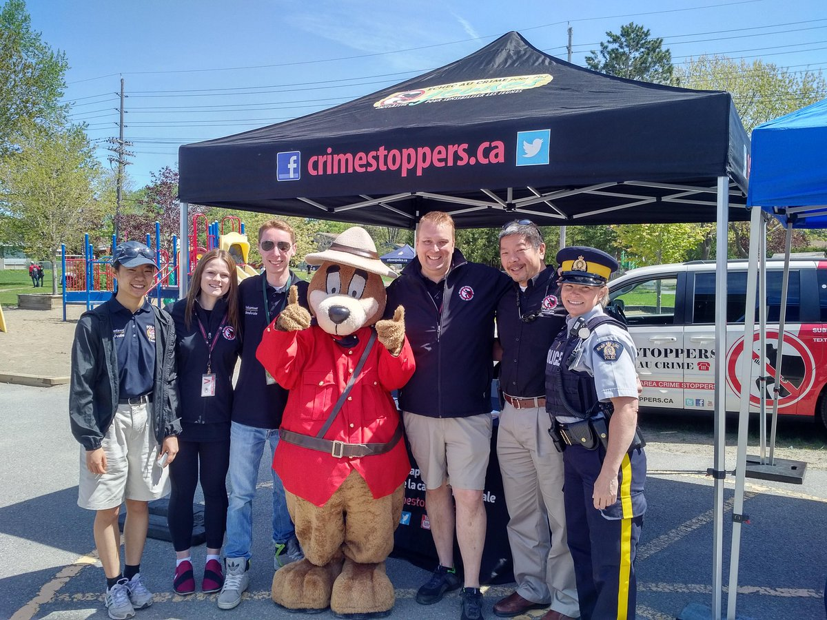 @CrimeStoppersOT @NCACSYouth Team always enjoy connecting with @RCMPONT partners at #PoliceWeekON events.  Drop by Soderlind Street till 1pm <br>http://pic.twitter.com/gevKozQYS6