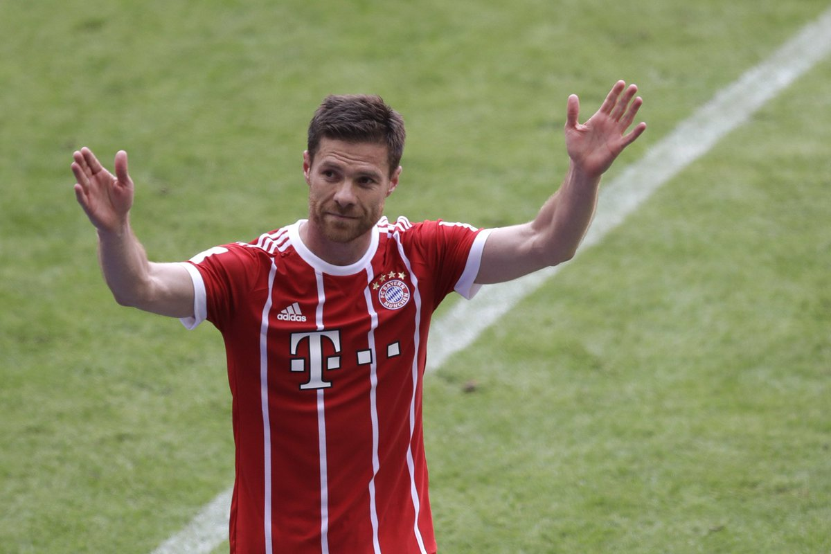 Philipp Lahm and Xabi Alonso go out with a win.   Watch them lift the #Bundesliga trophy one last time, next on FS2! <br>http://pic.twitter.com/XzNE5R9sfC
