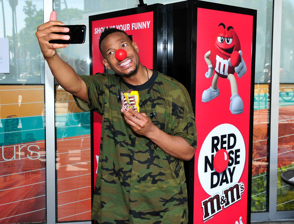 Have you shared a funny Red Nose selfie w/ @mmschocolate yet? Grab a nose and get in on the fun using #NosesOn! #clvr #ad #chocolate <br>http://pic.twitter.com/poWLYsdCGk