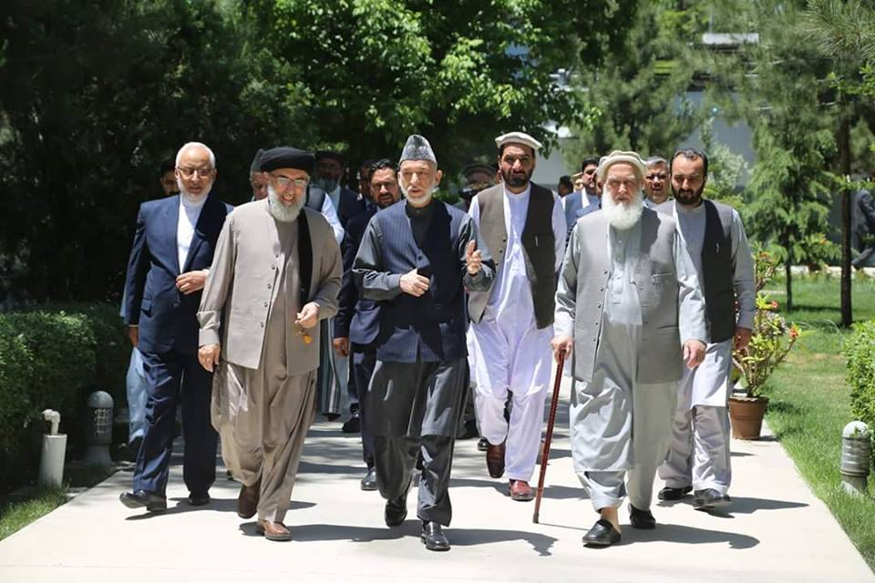 test Twitter Media - Former #Afghan President @KarzaiH hosted lunch in honour of Gulbuddin  #Hekmatyar, leader of #HIA on Saturday. https://t.co/h1zZ7PTAkw