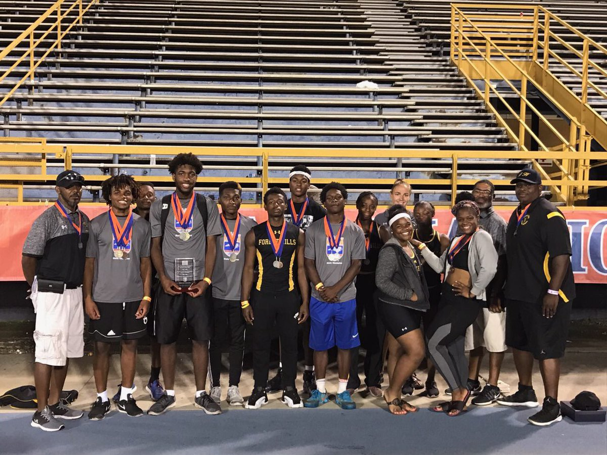 Great seasons for the track team. We are so proud of our athletes and coaches!  #LGJ @obey_ellijah @Speedkills2k_ @KeeshawnTyson<br>http://pic.twitter.com/sel2BFBuxz
