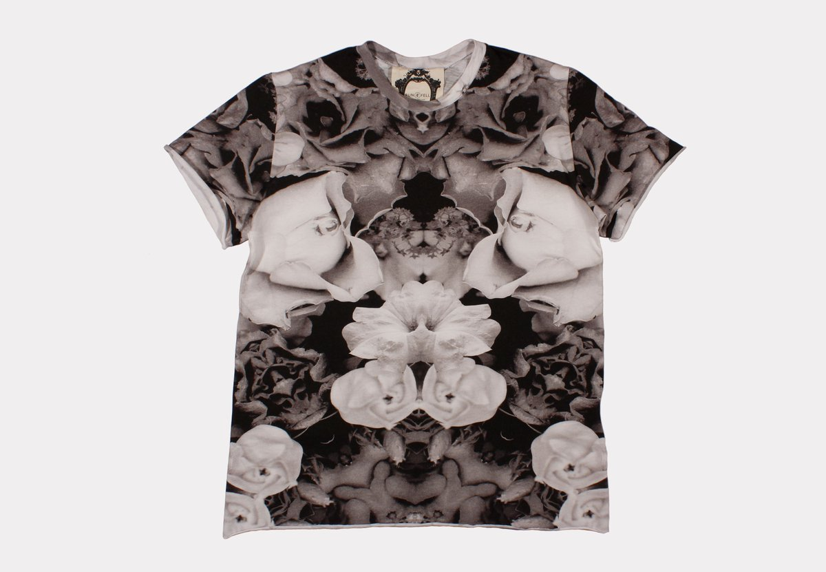 CONCRETE JUNGLE. Monochrome all-over floral print #organic cotton Tee. Only at  http:// buff.ly/2pVGBGo  &nbsp;   #Menswear #ethicalfashion #mensstyle <br>http://pic.twitter.com/5jBnD50FHW