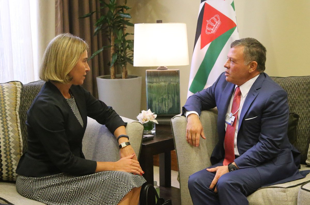 His Majesty King Abdullah II meets with High Rep. of the EU for FA and Security Policy Federica Mogherini on the sidelines of #WEF #Jordan