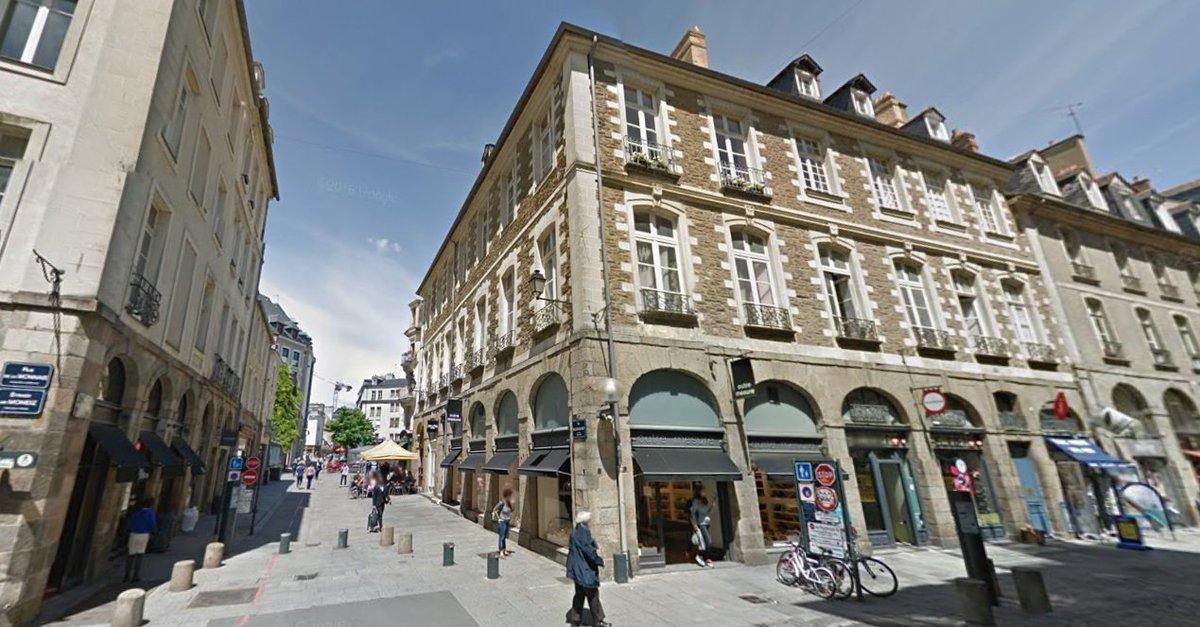 Starbucks Nespresso Apple O&#39;Tacos Hema Primark Lego B.King Gap TopShop Forever21 &gt; Ces nombreuses #enseignes absentes du #centre de #Rennes. <br>http://pic.twitter.com/wgxEyY0HTg