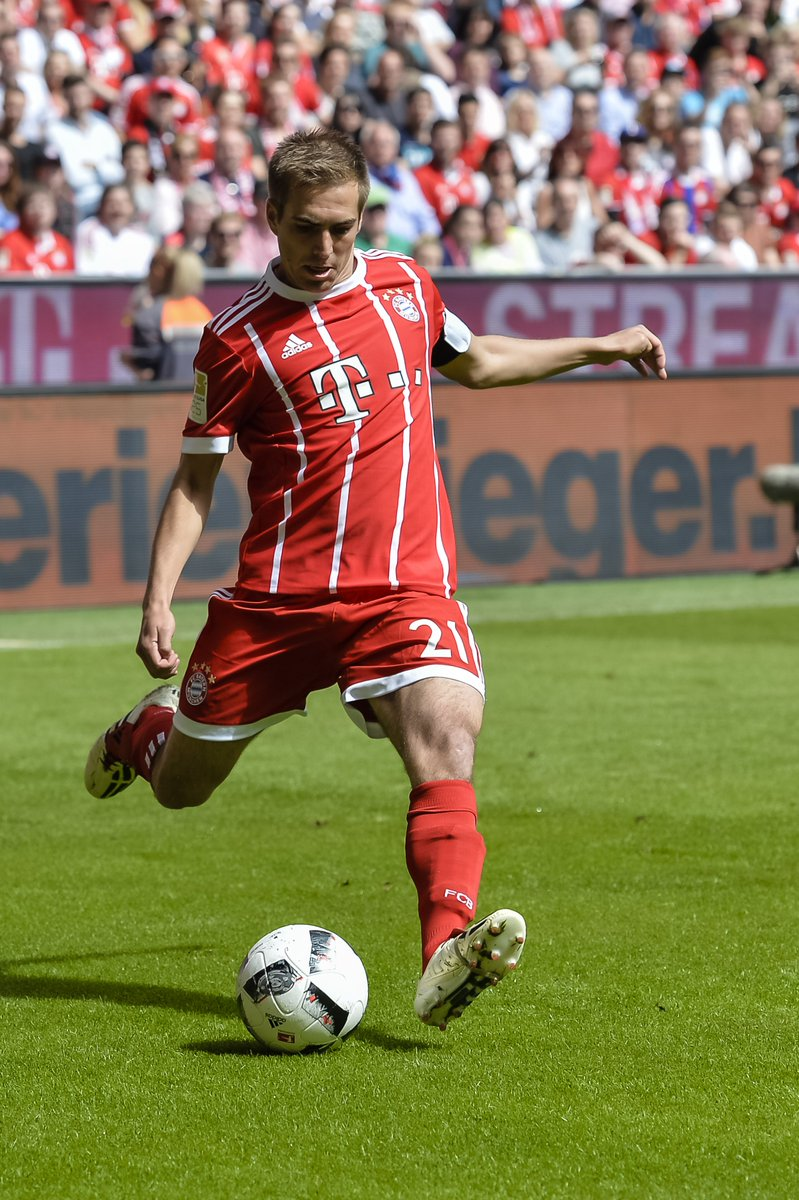 Who replaces Philipp Lahm at Bayern Munich Four viable options