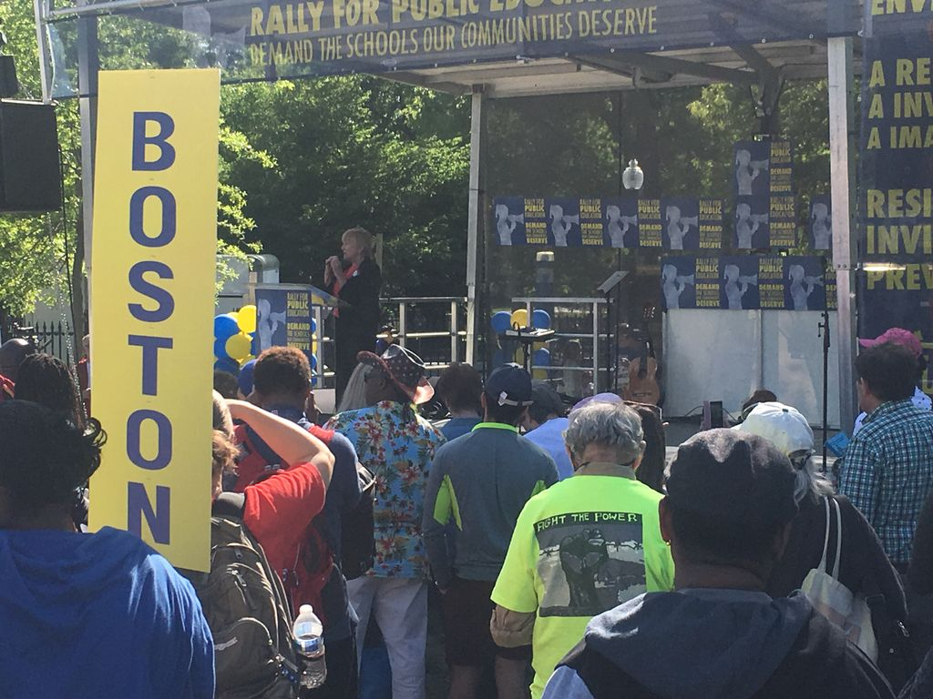 Public education is the public good. @bmadeloni @massteacher Rally for Public Education Boston #Peoples Budget <br>http://pic.twitter.com/GgOnOsckC4