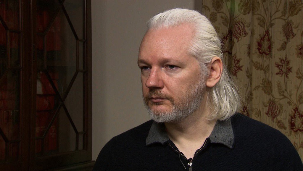A new type of mullet. Alt-right-patriot in front. Kremlin-pawn in back.